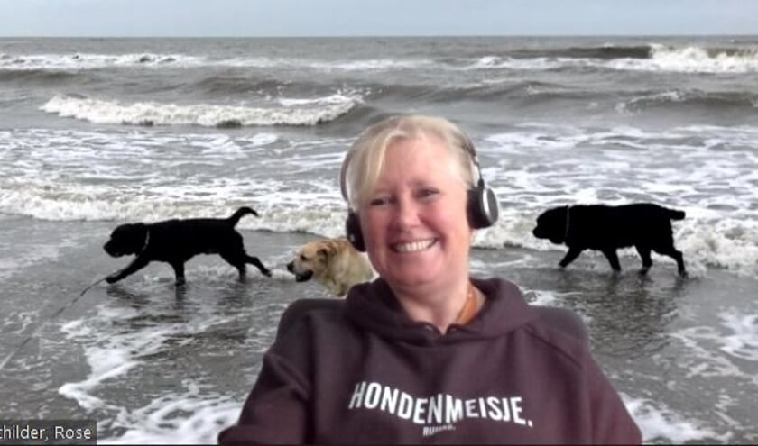 <p>Rose Schilder: &#39;Het is even wennen, maar gelukkig heeft onze hele kennissenkring dezelfde gedachte (want: oudere ouders). Verder heb ik 4 honden, dus geniet ik van het strand en de bossen.&#39;</p>