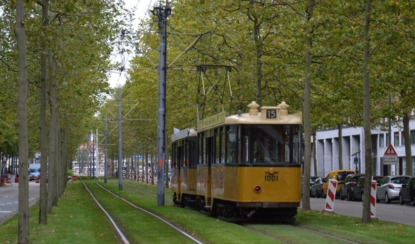<p>Met de Tramtour 2020 bracht RoMeO belangrijke stukken Rotterdams erfgoed uit de museumcollectie naar de Rotterdammers toe, als &lsquo;rijdend museum op straat&rsquo;. (Foto: Stichting RoMeO)</p>