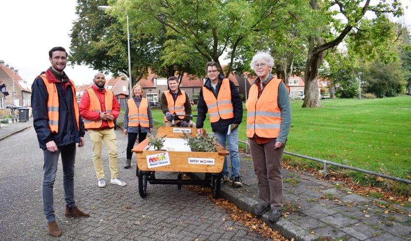 <p>Het &#39;groene team&#39; van Beter Wonen met Marieke Peerbolte van Avedan.</p>