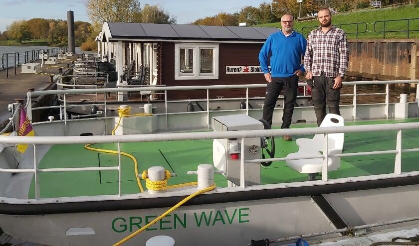 <p>In hun Heerewaardense werf ontwierpen en bouwden Kees en Glenn Cornelissen het CO2-neutrale schip Green Wave voor stedelijk transport.</p>