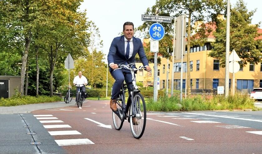 <p>Verkeerswethouder Lugthart: &quot;Een veiliger fietsoversteek is zo&#39;n voorbeeld waarbij de gemeente actie ondernam na signalen van inwoners.&quot;</p>