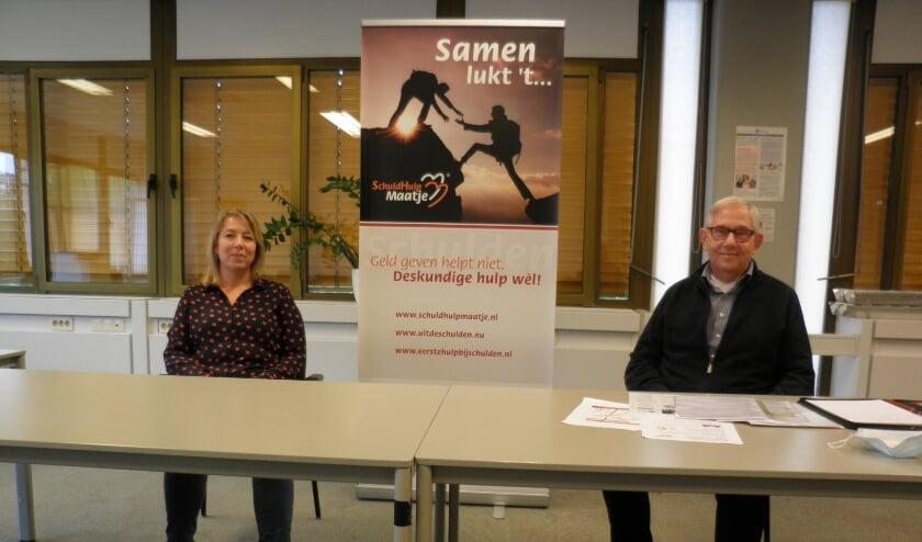 <p>Ineke Spaans en Jan de Vries, coördinatoren van SchuldHulpMaatje Zoetermeer. Foto Kees van Rongen</p>