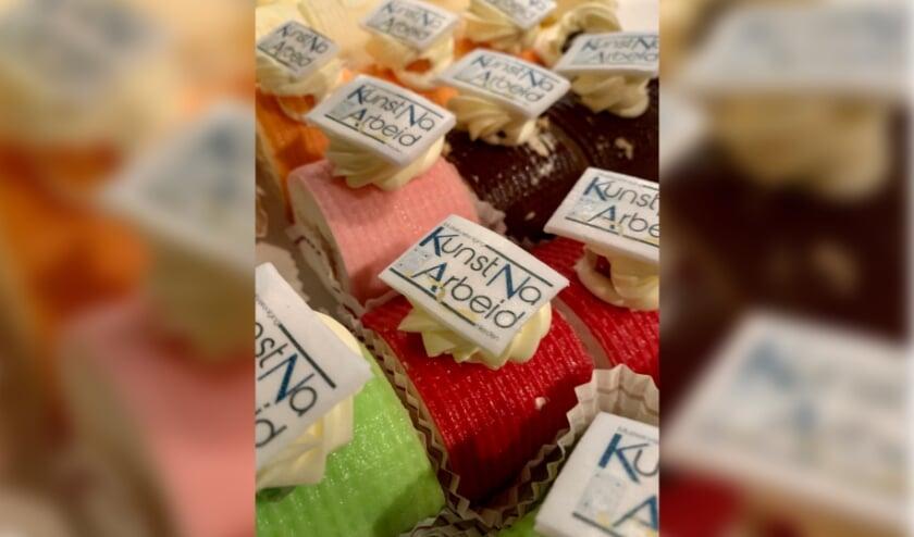 <p>Afgelopen maandag hebben de leden alvast van een voorproefje in de vorm van een heerlijk gebakje genoten.&nbsp;</p>