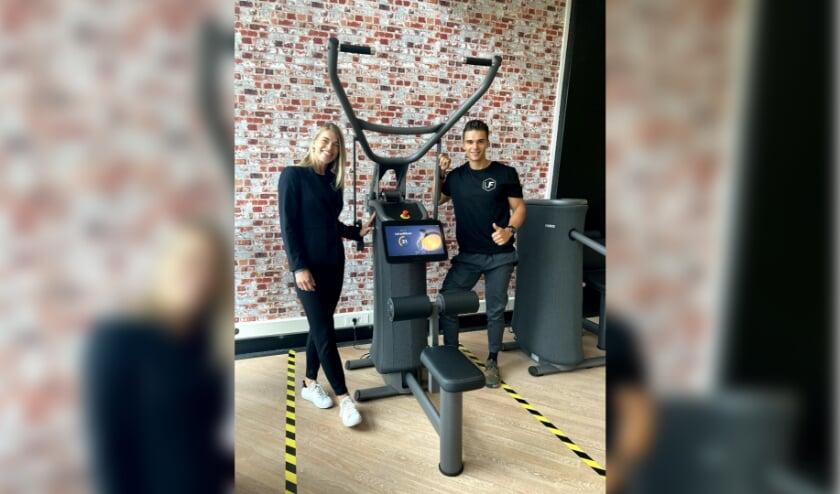 <p>Kevin Schoeman en Corien Kroesbergen: sportschool Ultimate Fit is in deze tijden gewoon open. (Foto: PR)</p>