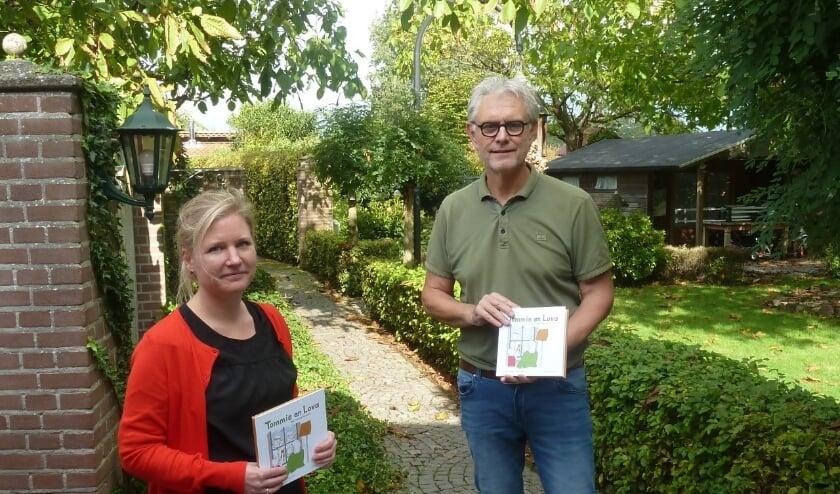 Met trots presenteren opa Cees en Marianne Smit het resultaat van vier maanden hard werken