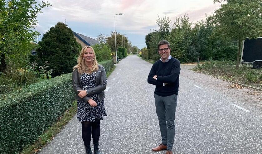 <p>Martine Kamphuis en Jeroen van der Laan, beide raadsleden van de SGP-ChristenUnie zijn tevreden met de nieuwe regeling leerling vervoer. &ldquo;Dit vergroot de vrijheid van onderwijs&rdquo;. (Foto: SGP-CU H.I.Ambacht)</p>