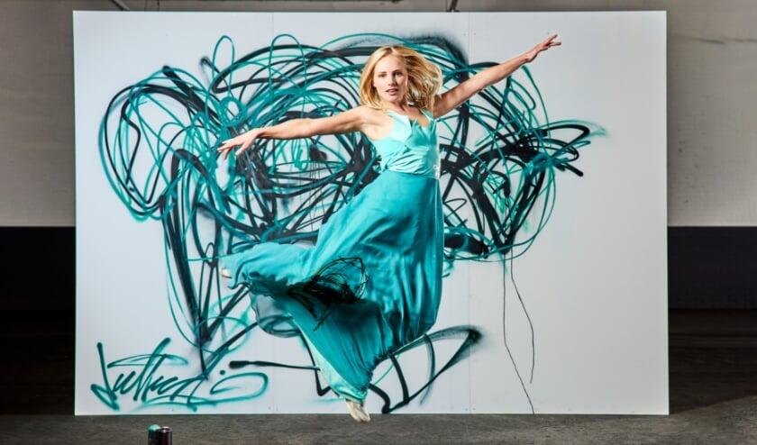 <p>Modeontwerpster Melissa Bonvie werkte samen met onder meer graffitikunstenaar Deef Feed. Foto: Studio Bonvie</p>