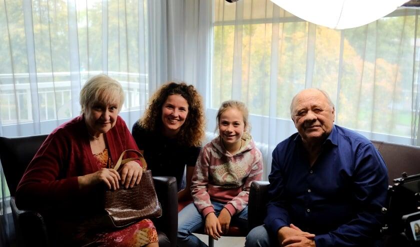 Amy op de filmset met Hetty Heyting, regisseur Lidi Toepoel en Frits Lambrechts.