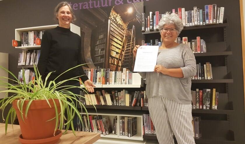Joanne Penning (Samen voor De Bilt) en Dorine Donders (Bibliotheek Idea Bilthoven)