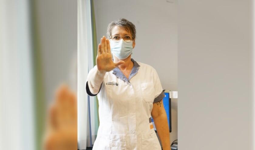 <p>Het ziekenhuis merkt dat door de scherpere coronaregels de verbale agressie en intimidatie richting medewerkers toeneemt. &#39;Onacceptabel&#39;.</p>