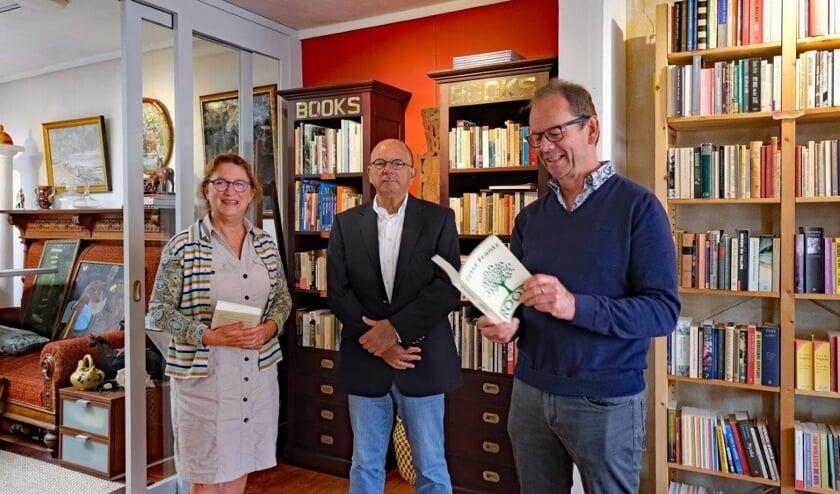 <p>Het boek ROOTS dat dit voorjaar verscheen, werd dinsdag 22 september op diverse plaatsen in West-Zeeuws-Vlaanderen gepresenteerd.</p>