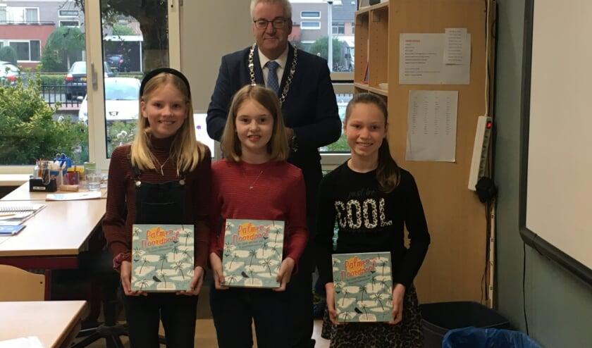 <p>De hoofdprijs van de challenge ging naar het filmpje van Vivian, Lotte en Alicia van groep 8a van de Antonius school. </p>