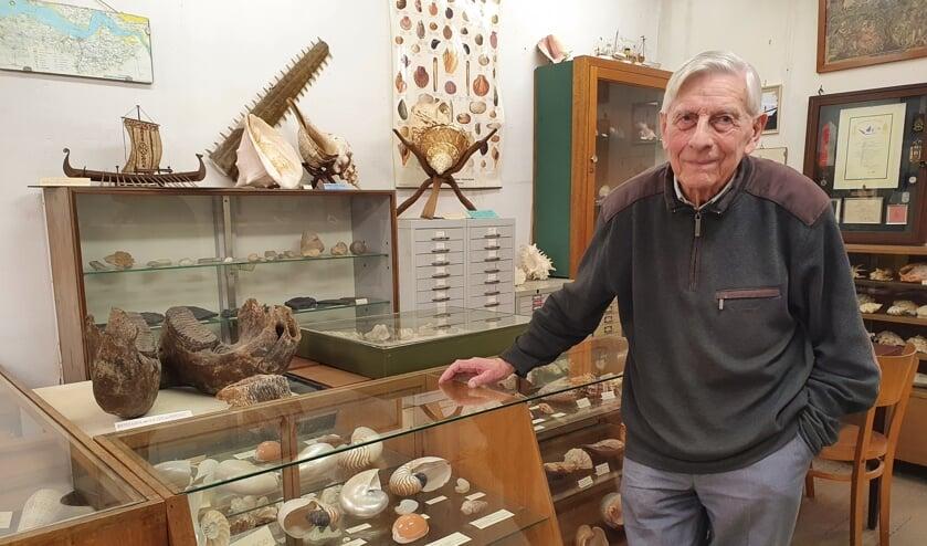 <p>In oktober wordt hij 93 jaar, de amateur archeoloog en verwoed verzamelaar Gerrit de Zeeuw van het Schelpenmuseum.</p>