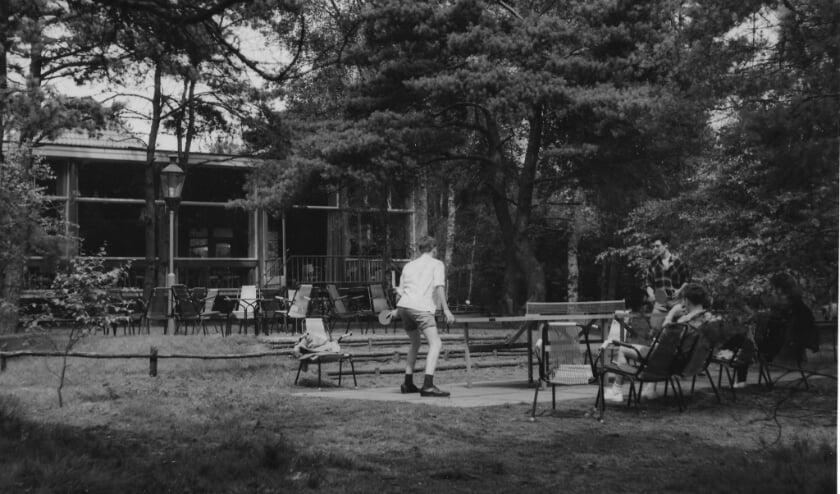 Boskamp Ennerveld werd in 1959 geopend door de Nederlandse Reisvereniging als kampeerterrein.