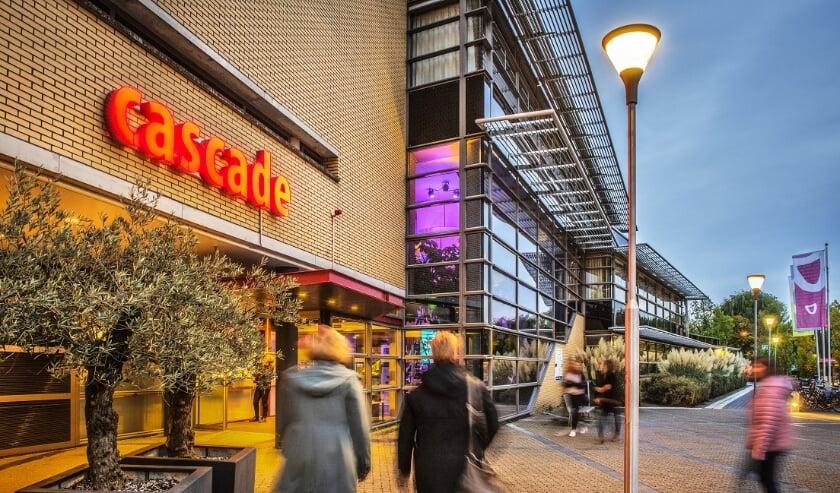 Theater Cascade heeft ontheffing gekregen van Veiligheidsregio Zuid-Holland Zuid en mag meer dan 30 personen tegelijk blijven verwelkomen. (Foto: Anke Bot)