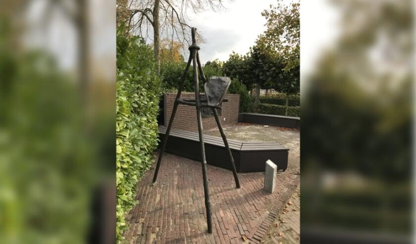 Kunstwerk de Mouw Mgr.Biermansplein in Westerhoven