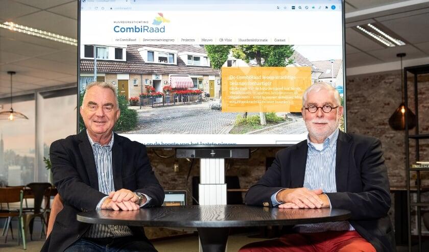<p>Theo Wolters (penningmeester) en Leo Hartkoren (voorzitter) maken deel uit van het dagelijks bestuur. (Foto: Maartje Brockbernd)</p>