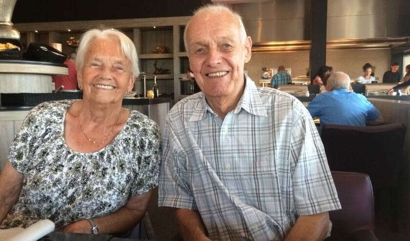 Jo en Mien Duizendstra - Van Velzen zijn vandaag 65 jaar getrouwd.