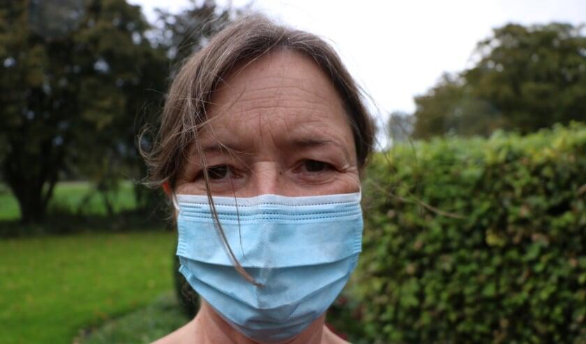 <p>CDA-raadslid Carla van Dongen roept het college op om vooruitlopend al over te gaan tot het verstrekken van de mondkapjes.</p>
