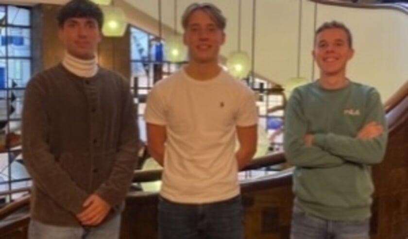Dane, Ference en Mick ontwikkelen voor hun studie een kauwgom die een heel stuk sneller afgebroken wordt.