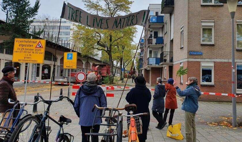 Protest tegen bomenkap in de Agniesebuurt.