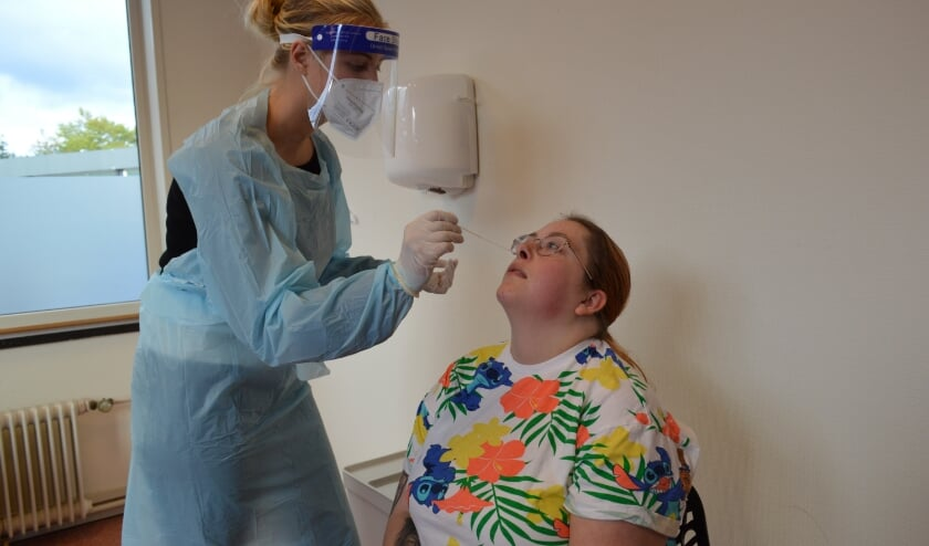 <p>De door het RIVM en WHO goedgekeurde coronatesten worden uitgevoerd door zorgprofessionals met een uitslag binnen 15 minuten. (Foto: PR)</p>