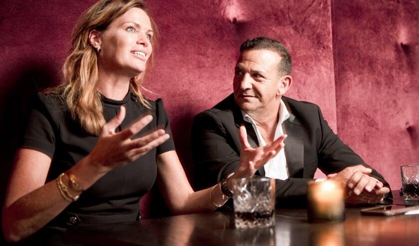 <p>Esther Hammink en Najib Amhali over hun liefde voor theater. (Foto: Joost van Baars)</p>