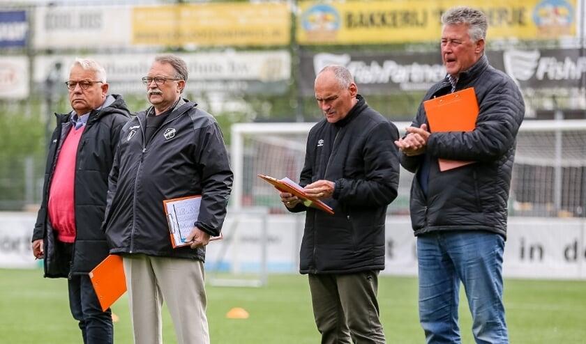 <p>De voetballers worden tijdens een toernooi bekeken en beoordeeld door scouts van profclubs. &nbsp;Foto: Martin Cloose</p>
