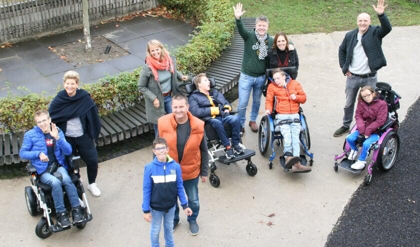 Een deel van de ouders (en kinderen) die zich hard maken voor de realisatie van Mooi Leven Huis Dommelstreek.