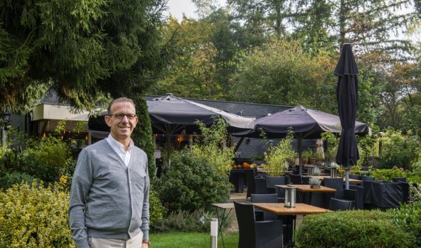 <p>Bertus Stijf, eigenaar van het Veluws Eethuisje in Wissel, start veelzeggende Facebookpagina &#39;Restaurants Nederland Open&#39;. Foto: Dennis Dekker&nbsp;</p>