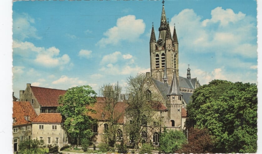 <p>Gezicht op de oude kerk</p>