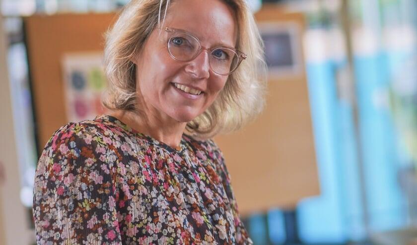 <p>Kersverse VOA-voorzitter Elles in &#39;t Veld roept de gemeente Alphen op ondernemers meer tijd te geven voor de lokale belastingen. FOTO: VOA</p>