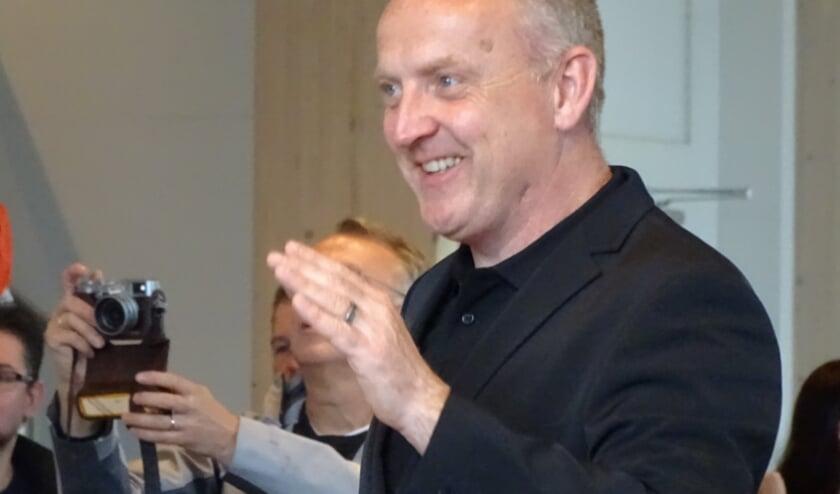 <p>Wibrand van Norel is zaterdag 24 oktober een kwart eeuw dirigent bij het Slagwerkensemble uit Elspeet.(Foto: Heidi van de Ridder)</p>