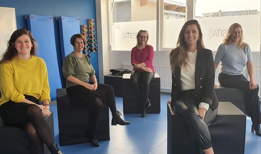<p>Het team van de Zeeuwse vestiging van de Nederlandse Obesitaskliniek in Terneuzen.</p>