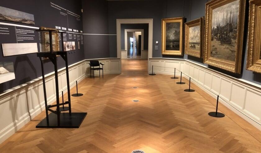 <p>Ook de inrichting volgens de nieuwe 1,5 meter norm, zoals hier in museum Panorama Mesdag,&nbsp; kost de musea geld.</p>