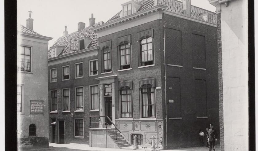 <p>Lijnstraat 2. Vlaardingen, de oudste locatie van het museum. Collectie Stadsarchief Vlaardingen</p>