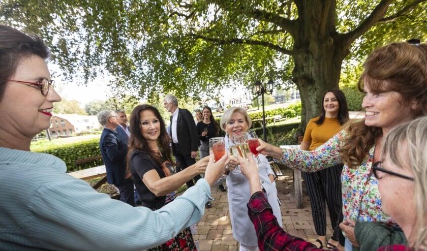 <p>Ouders van de toekomstige bewoners zijn blij met de komst van Our House. (Fotograaf: Winand Stut)</p>
