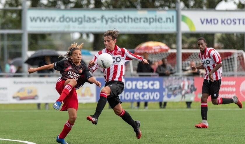 <p>Ook voor de op landelijk niveau voetballende jeugdteams van Alphense Boys Ligt de competitie stil. Foto: Paul Bahlmann </p>