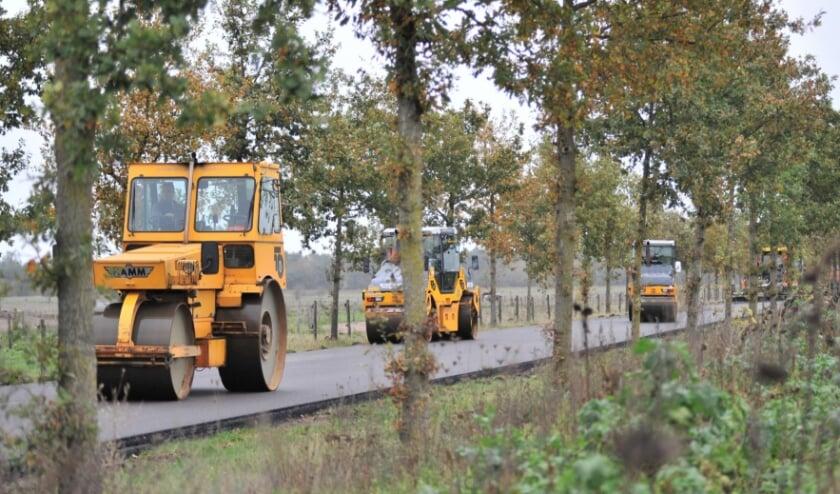 <p>Volop werkzaamheden aan de Telefoonweg in Renkum. (foto: gertbudding.nl)</p>