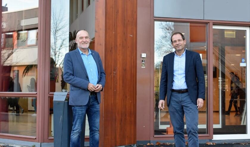 <p>Jan Brouwer en Roderik Rot: &ldquo;Van sommige gebouwen heb je er duizend. Van het gebouw van het Erasmus College heb je er maar een.&rdquo; F: RM</p>