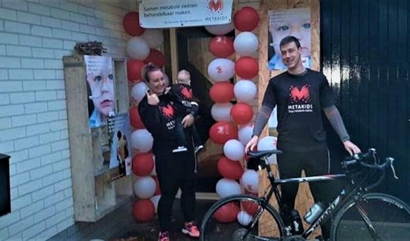 <p>Marieke en Rolf van Panhuis hebben zaterdag in totaal 140 kilometer gefietst. Eigen foto</p>