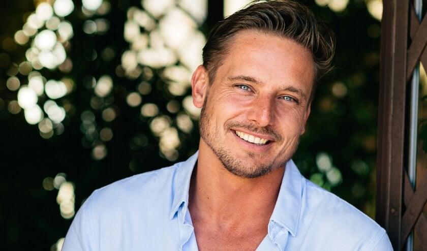 <p>Ricky Lukassen uit Zevenaar doet mee aan het nieuwe seizoen van Temptation Island - Love or Leave. De eerste twee afleveringen zijn donderdag 26 november te zien op Videoland. (foto: tomcornelissen.nl)&nbsp;</p>