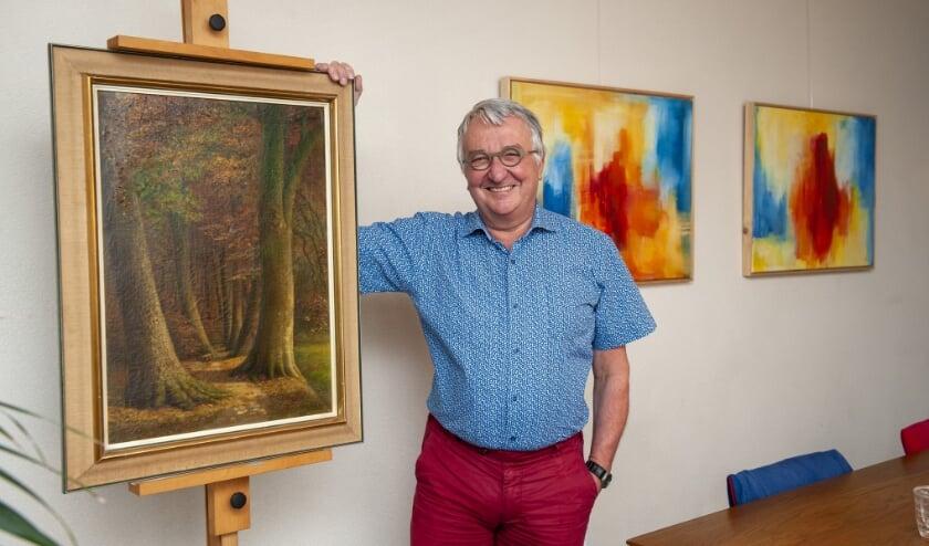 <p>Jan Paskamp schildert meestal landschappen: &quot;Dat doet mijn oom ook, van hem heb ik heel veel geleerd.&quot; Zowel de werken van Jan als van zijn oom zijn ook te zien bij de expositie.&nbsp;</p>