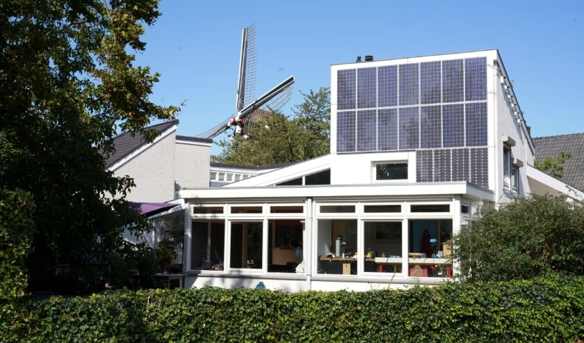 <p>Een huis vol zonnepanelen.</p>