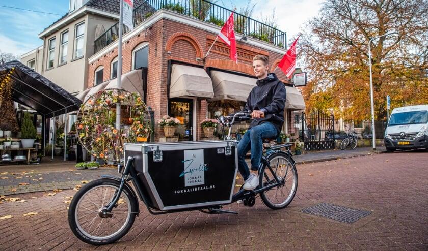 <p>De aankopen worden met een elektrische bakfiets bij de mensen thuisbezorgd. </p>
