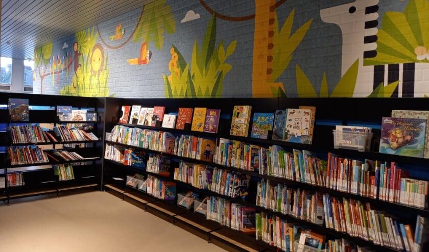 <p>Bibliotheek Overvecht is ingrijpend verbouwd: er is meer licht, meer ruimte en meer kleur. Foto: Bibliotheek Utrecht</p>