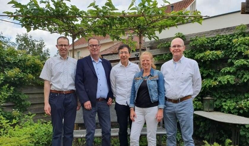 <p>Het bestuur van Opgewekt Rijssen. Helemaal rechts Jan Altena.</p>