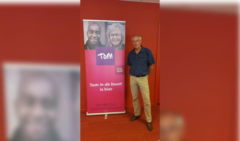 <p>Wijkcoach van Tom in de Buurt, Casper Jansen, regelt de verschillende vervoerssoorten bij Tom. FOTO: Tom in de Buurt</p>