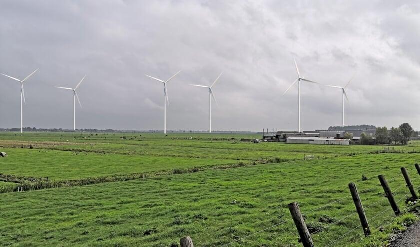 <p>Foto-impressie hoe Aarlanderveen eruit gaat zien als de windmolenplannen doorgaan. Foto: RESinBeeld</p>