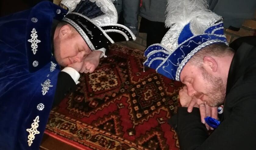 <p>Prins Twan en adjudant Ramon sloten carnaval dit jaar af bij &#39;In de Gauwe Geit&#39;, waar ze probeerden hun roes uit te slapen. Heeft het zin voor ze nu weer wakker te worden en een volgend feest op poten te zetten?</p>